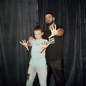 Millie Bobby Brown y Drake en uno de sus conciertos en Australia se hicieron una foto en el backstage