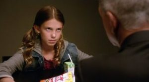 """Millie Bobby Brown en 2014 interpretando a Rachel Barnes, una niña sociópata en la serie de """"Navy CIS"""""""